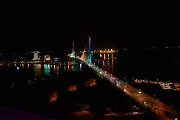 Ngoài chơi vịnh Hạ Long thì ngay trong thành phố cũng đầy điểm vui chơi