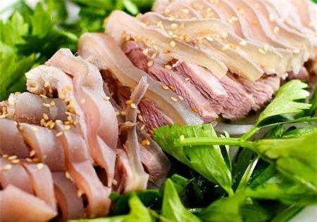 Về Ninh Bình thưởng thức thịt dê chấm với tương bần