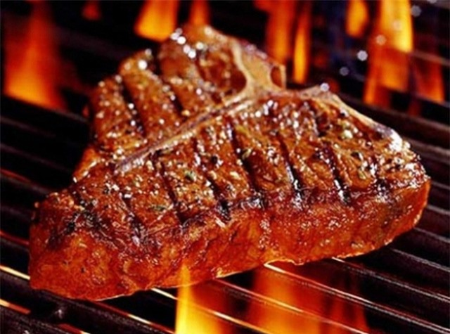 Bò tái kiến đốt: Món ăn chuẩn hương vị Tam Đảo