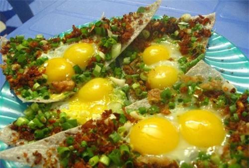 Bánh tráng kẹp, món ăn đường phố hấp dẫn nhất Đà Nẵng