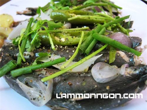 Cá nục hấp cuốn bánh tráng- món ăn đặc sản của đất Đà Nẵng