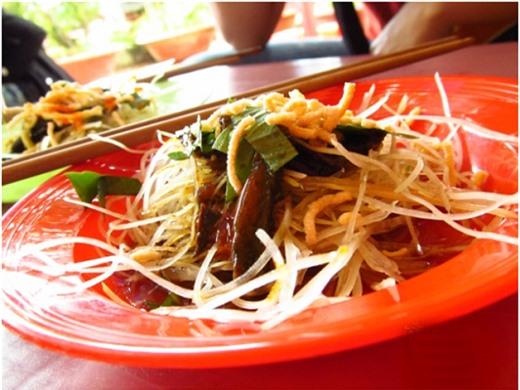"""""""Cồn cào"""" trước những món ăn đường phố không thể bỏ qua của Đà Lạt"""