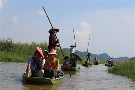 """Đột nhập """"lâu đài đá"""" giữa non nước Ninh Bình"""