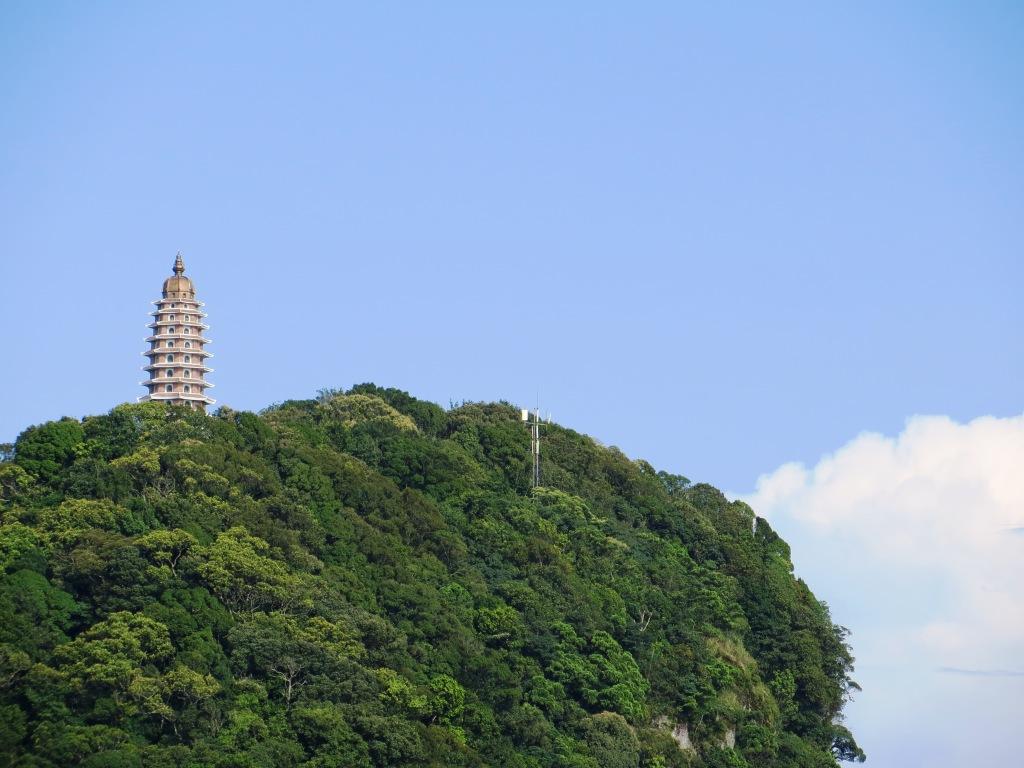 Tháp Báo Thiên.