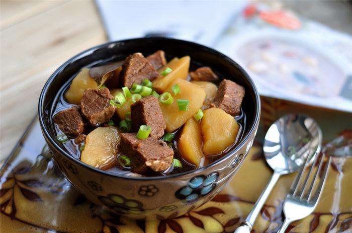 Cách làm khoai tây hầm thịt bò ngon chuẩn, đúng vị