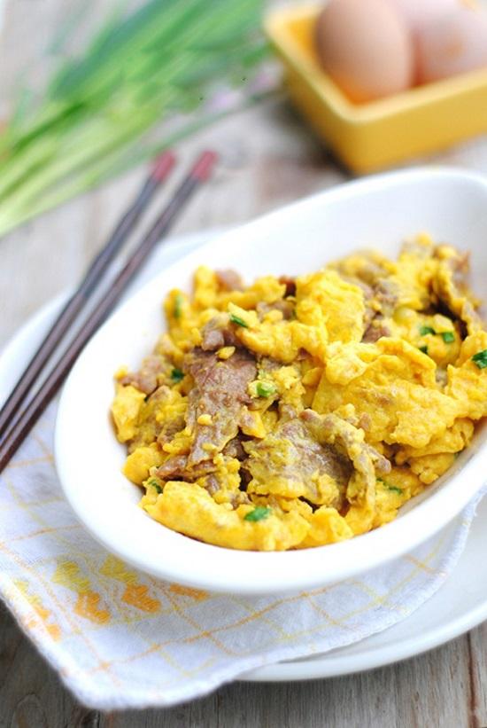 Cách làm món thịt bò xào trứng cho bữa tối thơm ngon