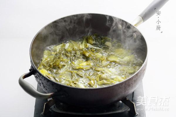 Canh dưa chua thịt bò ăn là nghiện