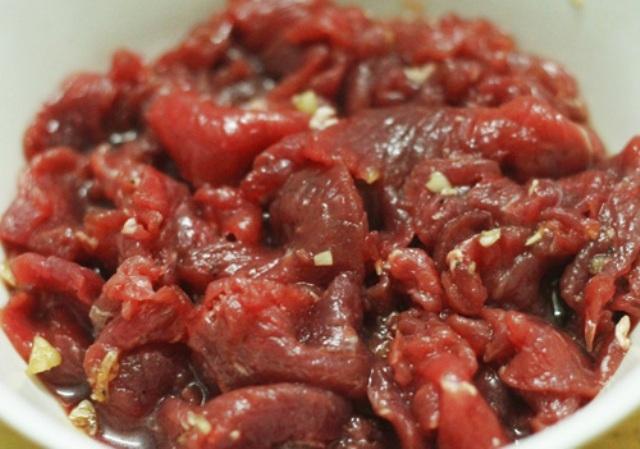 Salad trộn thịt bò xào thanh mát, ngon miệng