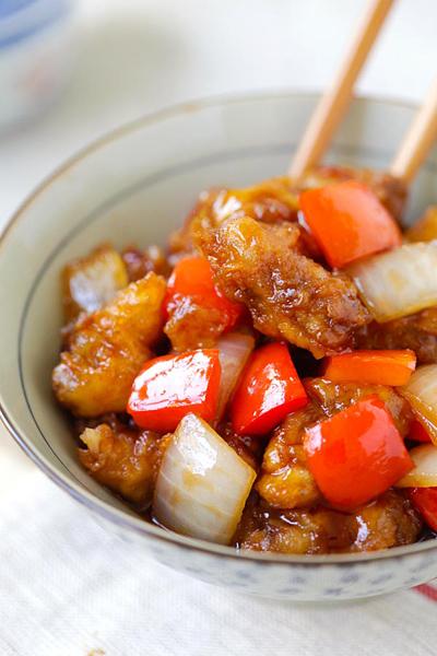 Thịt bò tẩm bột chiên giòn sốt chua ngọt